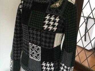 千鳥格子&アラン模様のセーターの画像