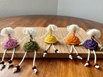 小さな女の子のストラップ〜マクラメ編みで♪の画像