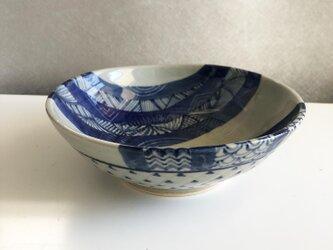 手びねり青模様の鉢の画像