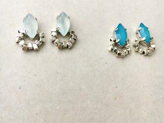 小さなとんがりビジューとロジウムビーズのイヤリング…2カラーよりお選びいただけます(*´-`)の画像