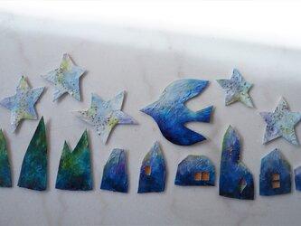 星と鳥のガーランドの画像