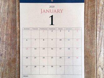 *2020年 9月始まり 壁掛けカレンダー*【クラフト紙/ブラウン/A4/ネイビーテープ/切取式】の画像