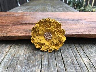 革花のブローチピン(パール) LSPサイズ カラシの画像
