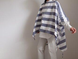 ◆ sale ◆ 2way ポンチョ コート / プルオーバー / ポリエステル【ボーダー・白とネイビーシャンブレー】の画像