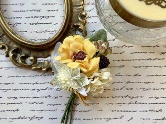 花摘みコサージュ  yellow フローラの画像