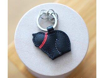 ふっくら子猫のキーリング・ブラック×レッドの画像