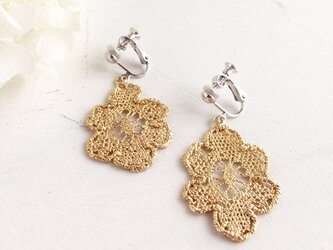 Antique lace earringの画像