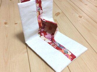 コンパクトに使える 裏地が和柄の赤 生成帆布 折りたたみ 携帯ティッシュケースの画像