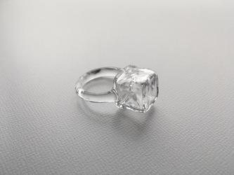 こぼれないアロマリング -Cube ice- 指輪の画像