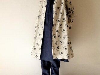ステッチ刺繍調*小さなドット×花柄*羽織りロングコート*コーディガン*コットンリネン*生成りの画像