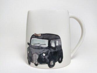 イギリス作家の手作りマグカップ「ロンドンタクシー」の画像