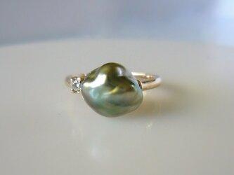 黒蝶ケシパールとダイヤの指輪(K10)の画像