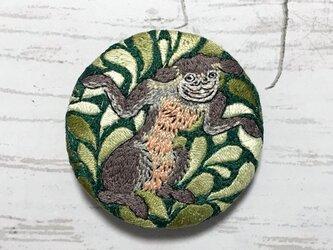 手刺繍日本画ブローチ*佐脇嵩之「百怪図巻」の山びこの画像