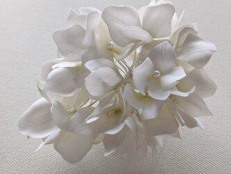 紫陽花の布花コサージュの画像