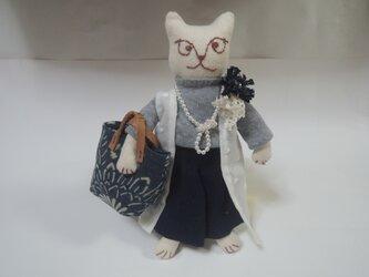 お洒落をした猫ストラップその2の画像