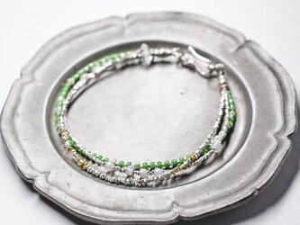 カレンシルバーと一粒ハーキマーダイヤモンド、ヴィンテージ&アンティークビーズのかすみ草3連ブレスの画像