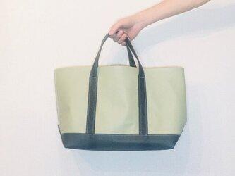 新作 豚革 ローレルグリーン × チャコールブラック デラックス トートバッグ レザーバッグの画像