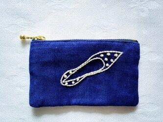SALE水玉パンプス刺繍のミニポーチ(青)の画像