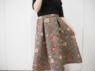 前タック後ろギャザーのスカート**珍しい花柄チェックの画像
