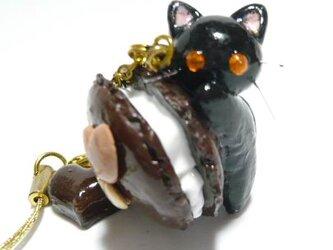 にゃんこのしっぽ○チョコマカロンのストラップ〇黒猫の画像
