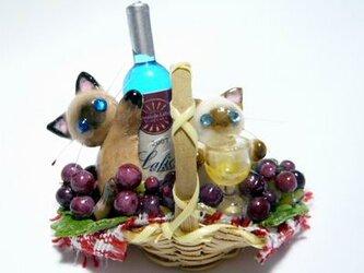 にゃんこのしっぽ○ワインとぶどうのバスケット〇ミニチュア〇ドールハウス○猫7の画像