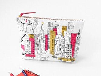 USA生地!NYビル柄のマチ付きポーチ(内ポケット付き)、ビーズステッチ付きの画像