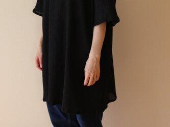 春夏 シワ加工のシンプルチュニック ドルマン 黒 の画像
