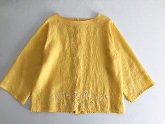 手刺繍ブラウス「たんぽぽとキンポウゲ」・黄色の画像