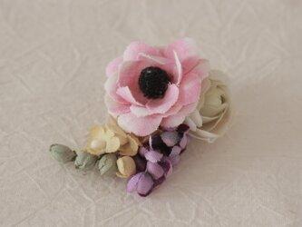 花束の片耳イヤリングの画像