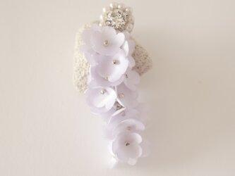花の片耳ピアス の画像