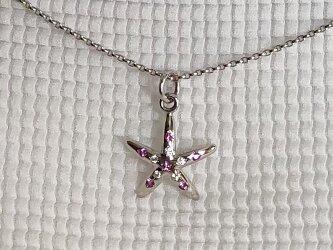 K18WGサファイアダイヤペンダント ーひとでのような星のような-の画像