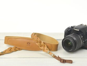 レザー三つ編みカメラストラップ/キャメルの画像