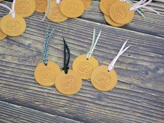 【送料無料】 シャーク コインお守り 【グレー】【レザートレーorコインケース プレゼント付き】  お財布/モーカの星の画像