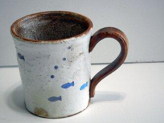 百色(ももいろ)象嵌 マグカップ 魚の画像