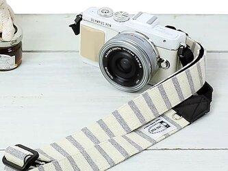 2,5㎝幅の長さを調節できるカメラストラップ/ナチュラルベイシックボーダーの画像