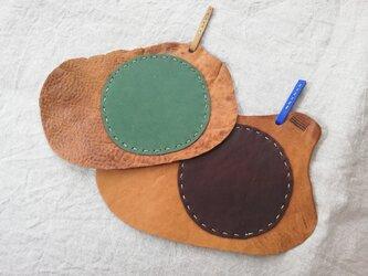 ペア de レザーコースター オイルシュリンクレザー グリーン&チョコの画像