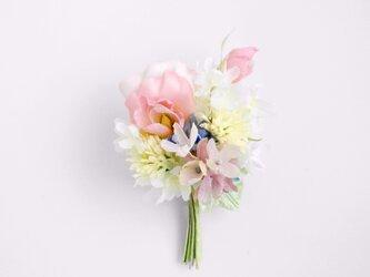 甘いピンク スイトピーの花束 S * シルクデシン製 * コサージュの画像