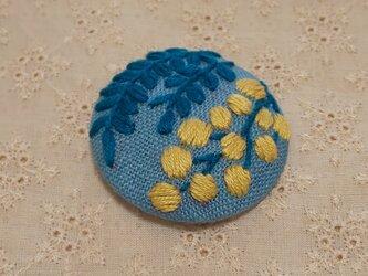 刺繍ブローチ・mimosa( ブルーグレー)の画像