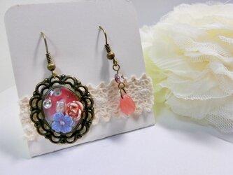 お花畑レジンチャームとピンクドロップの画像
