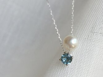 【K10WG】Natural Milky Aquamarine and Akoya Necklace〜March Birthの画像