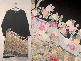 留袖リメイク♪春爛漫・春色花々が素敵な友禅留袖ワンピース・ゆったりシルエット♪ハンドメイドの画像