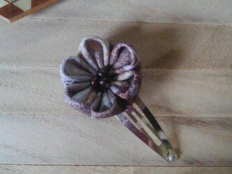 つまみ細工 まんまるお花のパッチンピンの画像