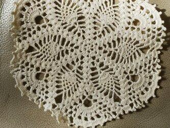 手編みレースドイリー直径約15㎝の画像