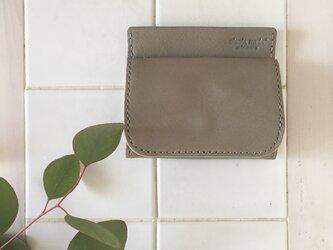 カード、お札も収納できる 『ボックスコインケース』グレージュの画像