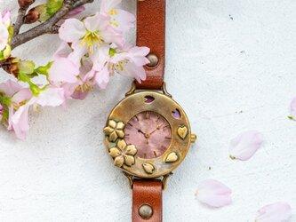 サクラ舞う腕時計Mの画像