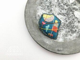 nuuno刺繍ブローチ 「出会い(ブルー)」の画像