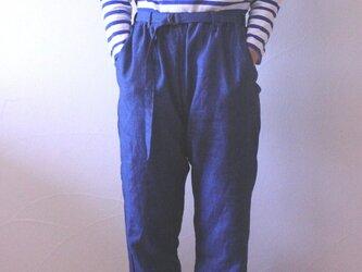 ウォッシュリネンのベルト付きパンツの画像