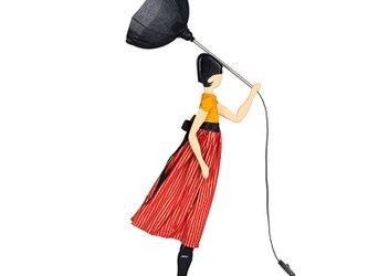 【2020年春モデル】風のリトルガールおしゃれランプ Jackie テーブルランプ 受注製作 送料無料の画像