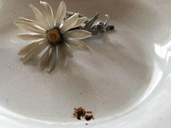 margueriteグレー.........suMire-bouquet 布花コサージュの画像