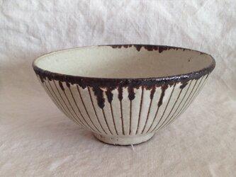 掻き落とし茶碗(大)の画像